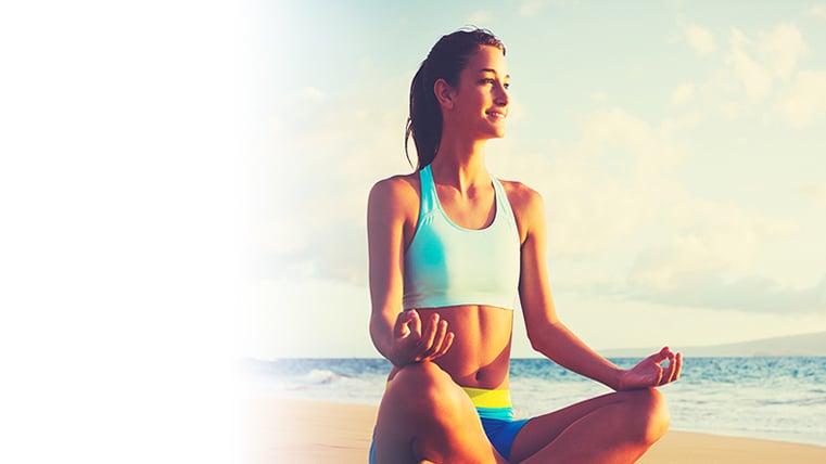 Mujer hacienda yoga